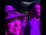 Дженсен и Дэннил с семьей и друзьями на концерте Стиви Уандера в рамках Формулы 1 в Остине 2017