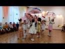 вот и праздник! танец с зонтиками ))