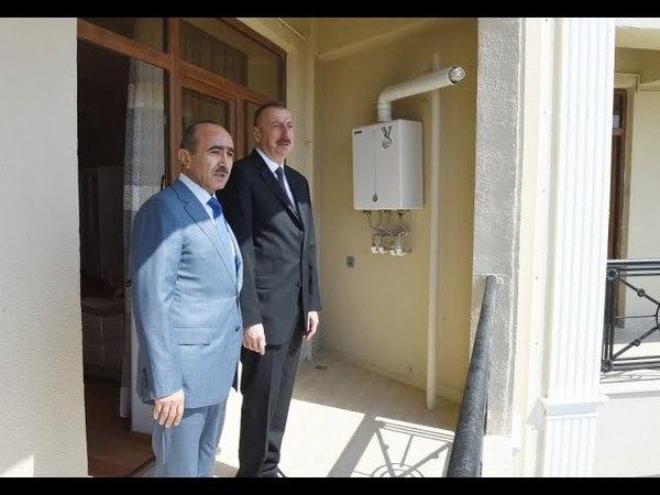 (18) Prezidentin köməkçisi söyüş təhqir kampaniyasına başçılıq edir.