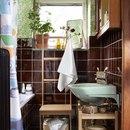 Как украсить ванную комнату, если в ней совсем мало места? Легко! Поставьте плетеные шкатулки…