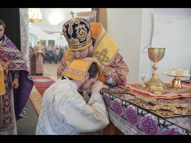 Митрополит Игнатий в день памяти пр. Иоанна Лествичника совершил Литургию в Воскресенском соборе