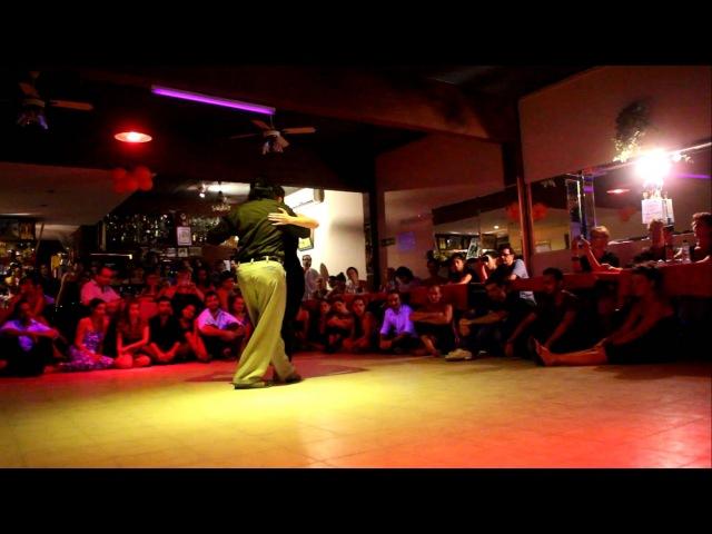 Ariadna Naveira y Fernando Sánchez baile en Milonga 10 Flor De Monserrat