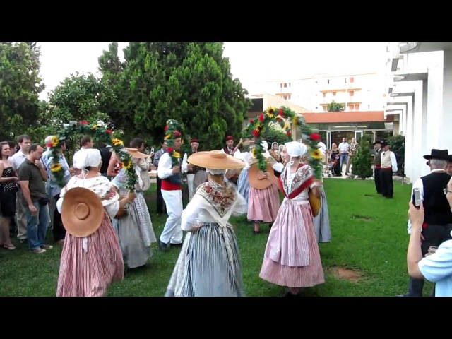 Traditional French dances (1)