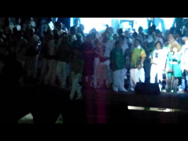 Elza Soares canta Salve a Mocidade na quadra