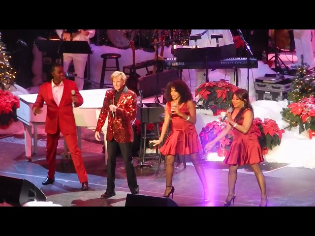 Barry Manilow - NYCB Nassau Coliseum - December 7 - Christmas is Just Around the Corner & Medley