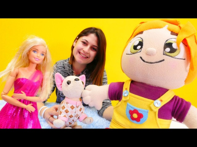 Ayşe Lili'ye yeni Barbie oyuncak alıyor!