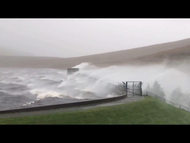 Трагическая «Офелия»: последствия мощного урагана в Ирландии