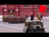Торжественный марш в честь 76-ой годовщины парада 7 ноября 1941 года на Красной площади