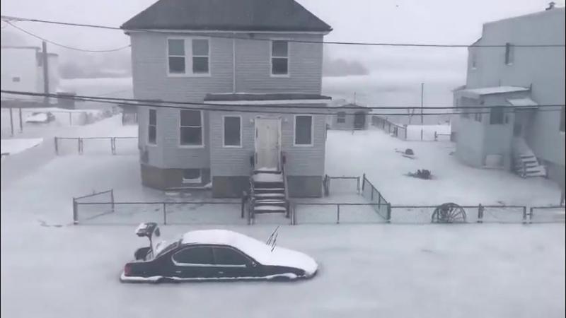 В Бостоне мороз после наводнения