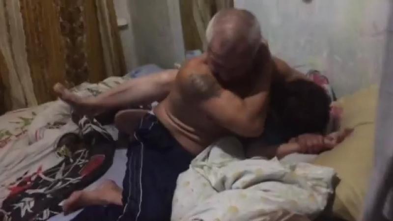 порно онлайн пьяный папа трахает дочь до слёз лучшее порно 21