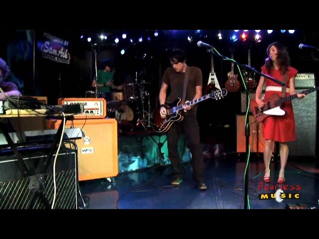 Silversun Pickups - Lazy Eye - Live On Fearless Music HD