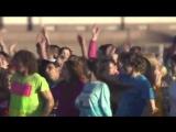 Питер-2012 г. Флешмоб на Неве (Песня из к-ф