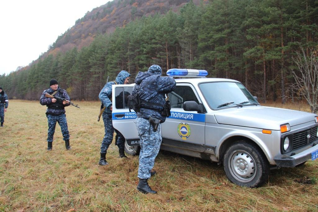 Силовики провели специальные учения в горах Зеленчукского района
