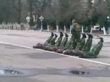 спецназ ГРУ зарядка на плацу!!!!!!!!!