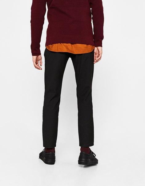Укороченные брюки облегающего кроя