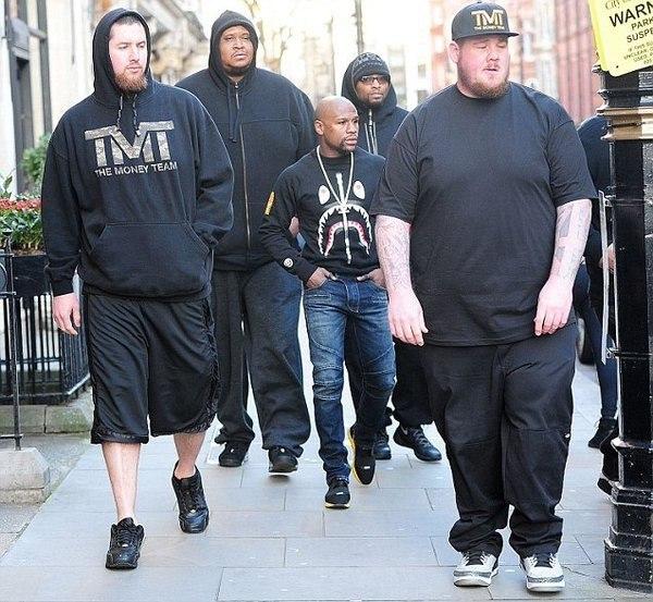 Флойд лысый и с бородой - Тимати тоже у Флойда TMT - у Тимати Black S