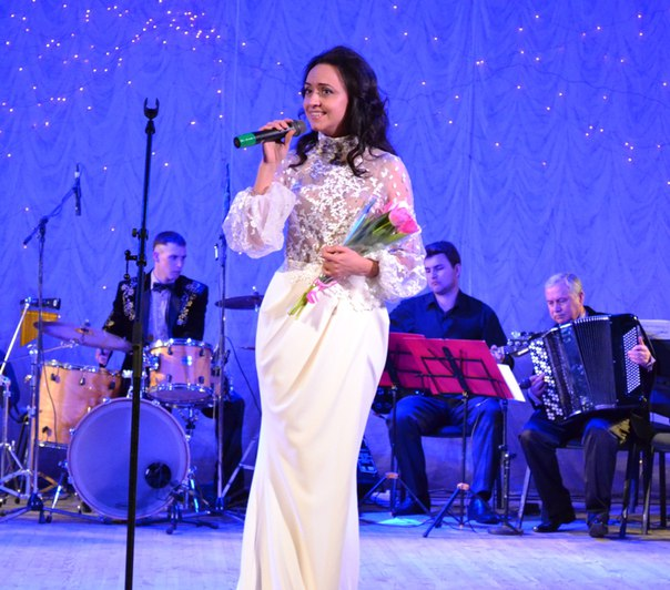 Вокалистка Юлия Скороход представила в филармонии новую сольную программу