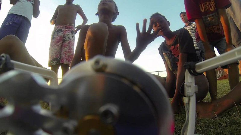 DRONE CAI NA FAVELA | DRONE FALLS IN FAVELA - DRONE FAIL BRAZIL