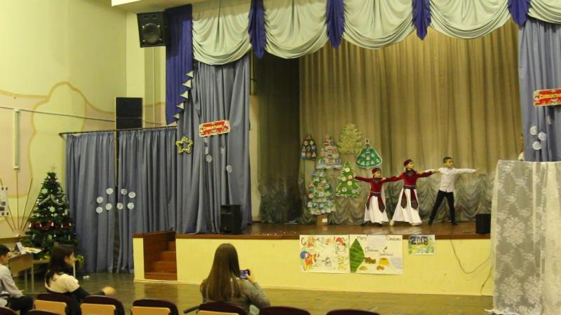 Выступление от 9 Б класса. Страна: Армения