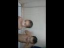 Едiге и Ержан купаются в ванне