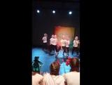 наше первое выступление ))) хип -хоп , ( новогоднее выступление ) Даниэль красавчик !!!???все умницы ))