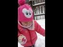 моя маленька Принцеса бігає по снігови