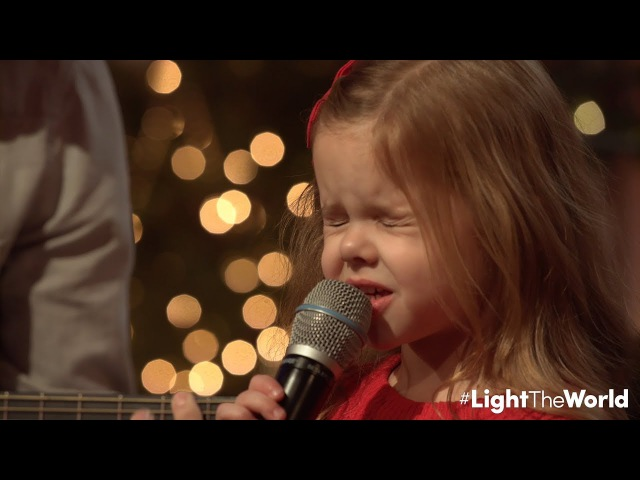 LET THERE BE PEACE ON EARTH 5 YEAR OLD CLAIRE RYANN CROSBY WITH DAD AND THE PIANO GUYS