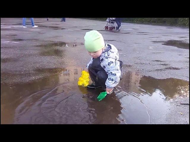 Непромокаемые штаны Тим малыш прыгает по лужам Kid jumping in puddles