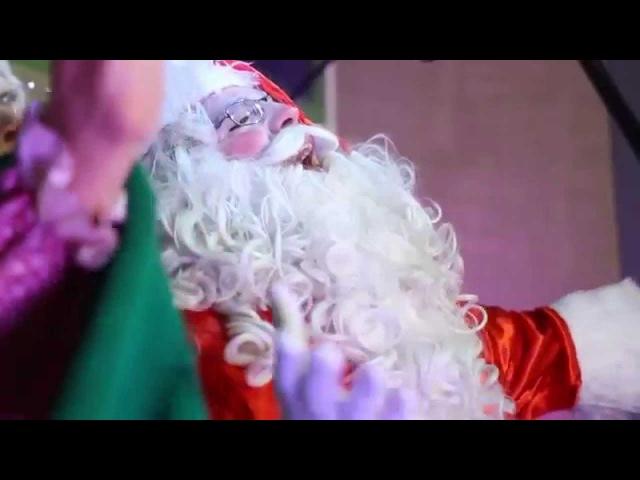 Casa de Noel - Papai Noel canta Bate o Sino e o Jingle