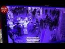 Подростки подрались с охранниками в киевском гипермаркете Ашан