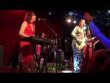 Red Elvises in 16 tons - Boogie On The Beach