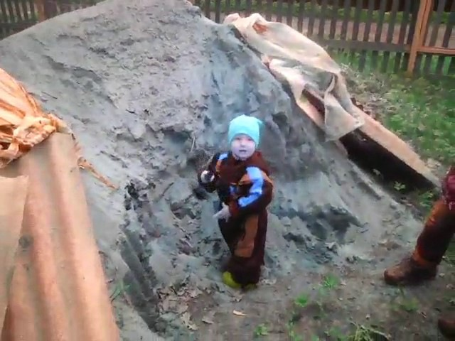 Ольга Лемке - дачная песочница (14мес.)