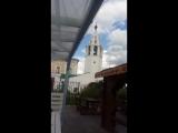 звон колоколов в живом исполнении .центр города,пешеходная улица