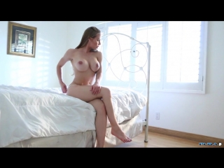 Nicole Aniston роскошная спортивная звезда порно с упругими сиськами и классной жопой