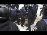 Столкновения полиции с протестующими против решения суда об освобождении Геннадия Труханова в Киеве