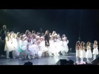 Наши крошки #danceclubactive сегодня выступали на большой сцене с Натальей Могилевской#