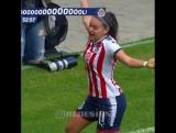 Футболистка американского «Чиваса» Норма Дуарте Палафокс идеально отпраздновала забитый мяч.