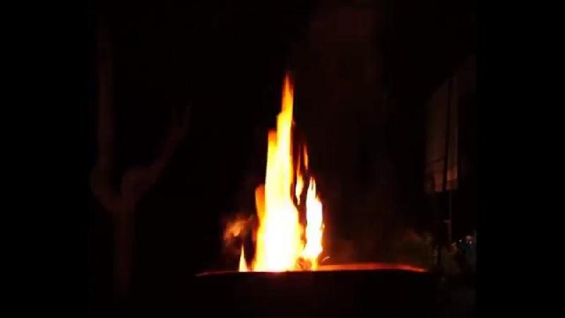 -Дым костра создает уют--[save4.net].mp4