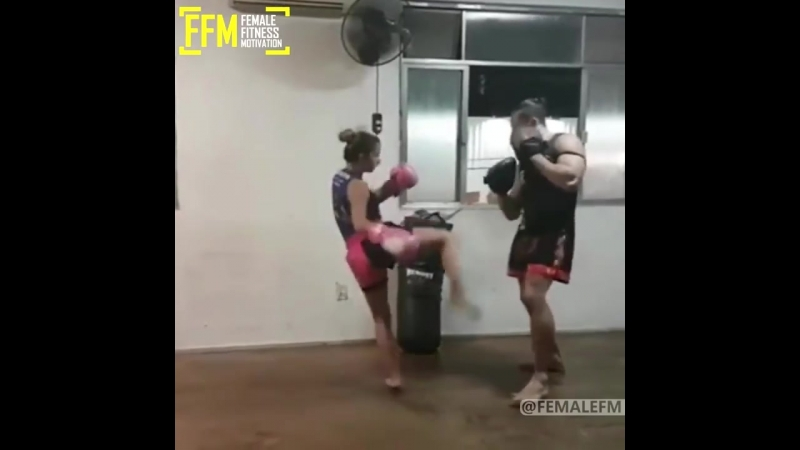 CRAZY FIGHTING GIRLS (Martial Arts Edition)