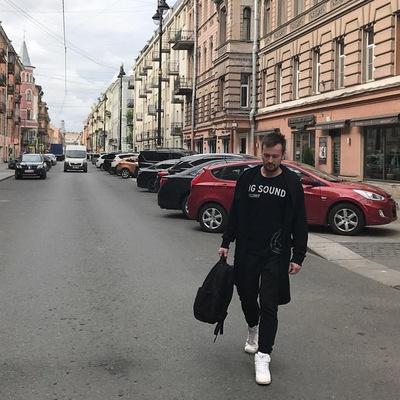 Михаил Новиков