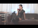 Сексуальная зрелая русская сексвайф sexwife мамка милф в чулках, латексе, колготках позирует mature