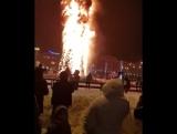 Елка сгорела в Южно-Сахалинске в новогоднюю ночь2