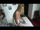 Мамка приводит в порядок домашнее полотенце в которое постоянно дрочит ее сын