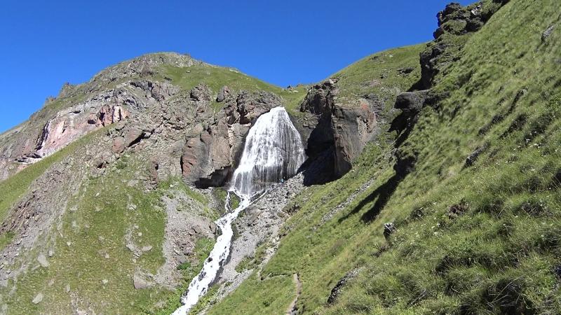 Девичьи косы, водопад - Эльбрус с юга