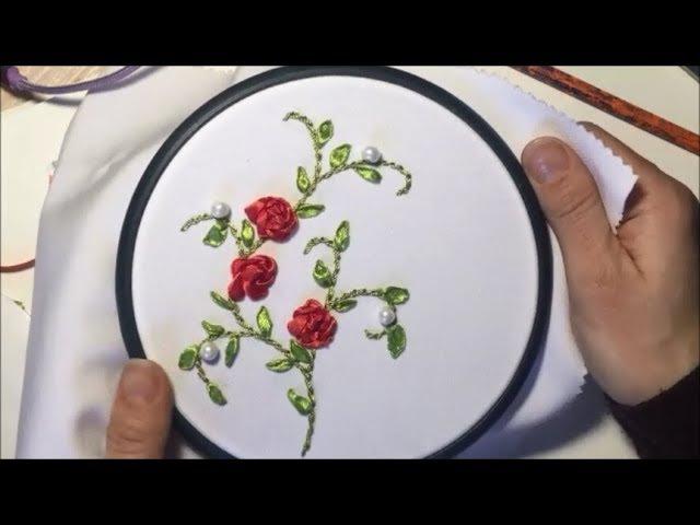 Простые цветы из атласной ленты Simple flowers made of satin ribbon