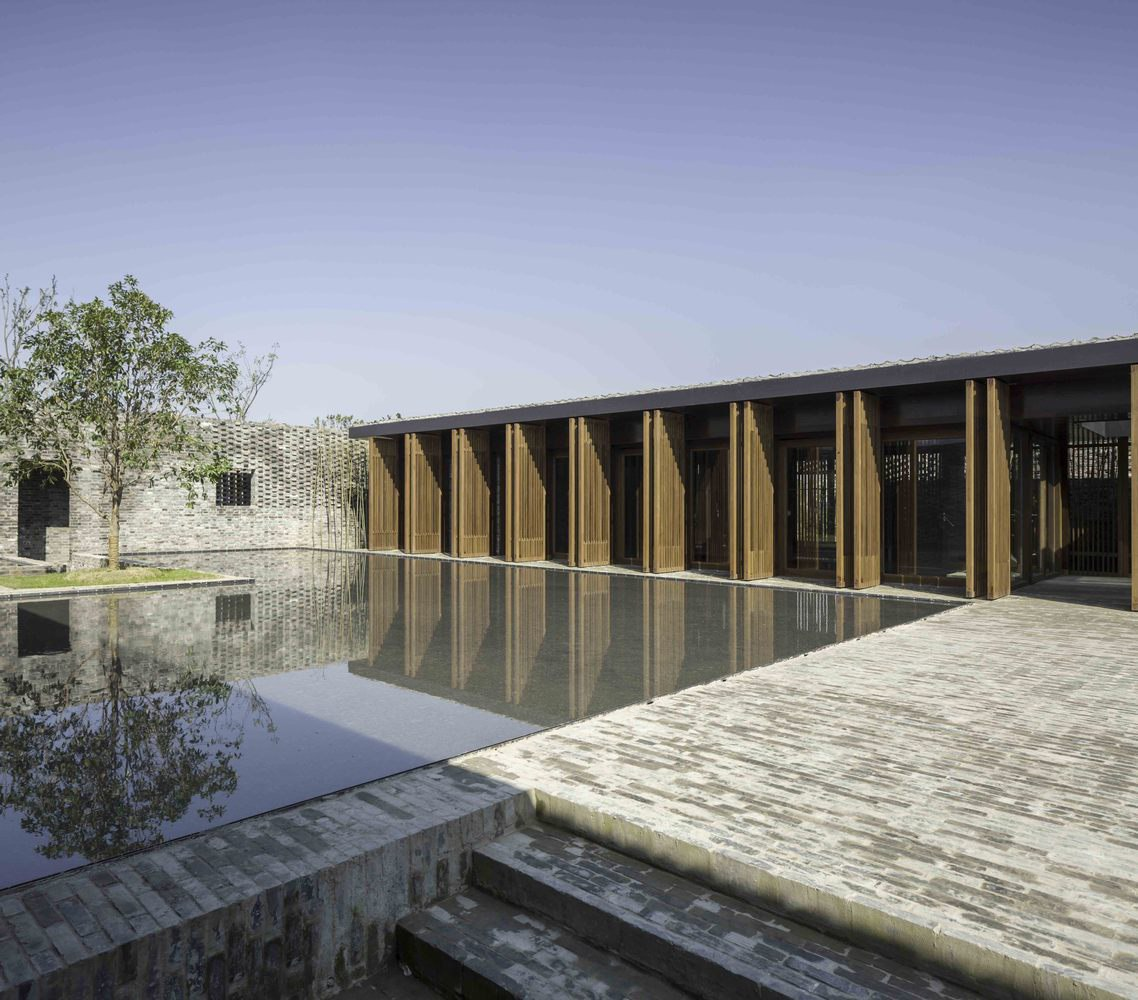 The Walled — Tsingpu Yangzhou Retreat / Neri