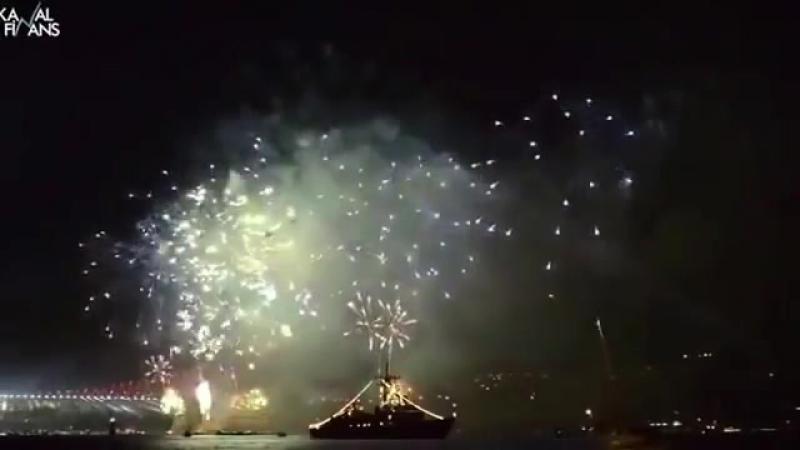 Новый Год в Стамбуле, Салют с моста на Босфорском проливе 2016 ИстТурист