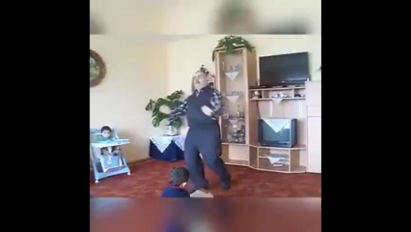 Дедушка и танцы
