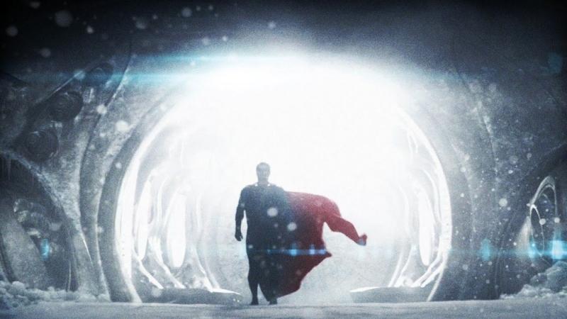Супермен учиться контролировать свои силы. Первый полёт. Человек из стали