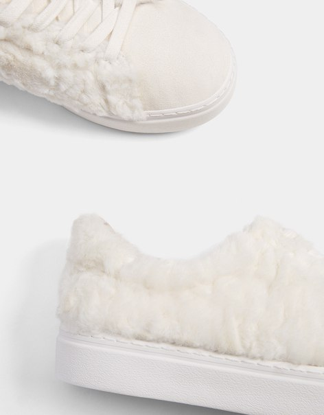 Кроссовки из искусственного меха со шнуровкой